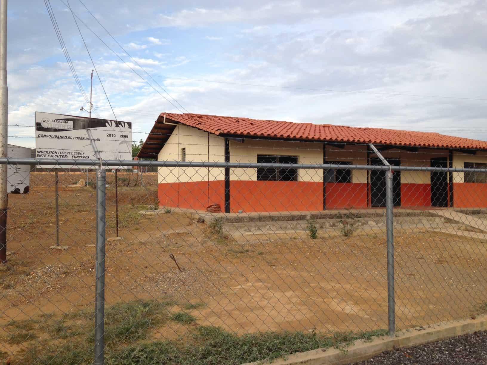 Ambulatorio de Pozo Guapo. Espacio Público.