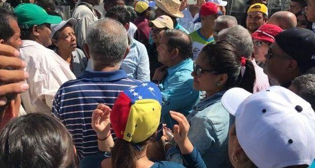 Agredido reportero de VPI en protesta en el estado Bolívar