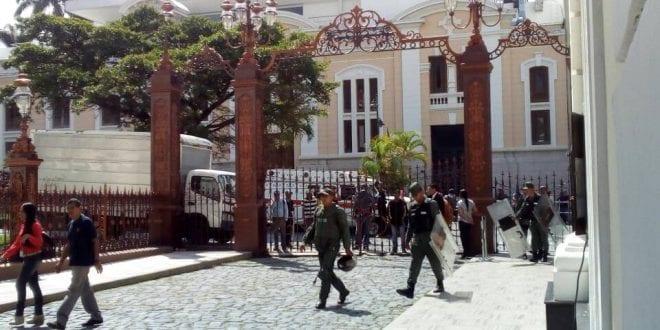 GNB niega entrada de la prensa a sesión de antejuicio de Maduro