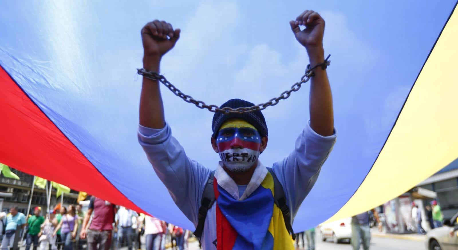 Sentencia previa: la justicia penal contra la libre expresión