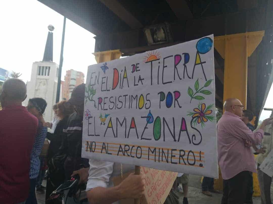 El estado venezolano no consultó a las pueblos ondígenas sobre el Arco Minero y tampoco ha respondido las 11 solicitudes de información que las as comunidades Piaroa-Wotjuja, Jivi, Baré y Yekuana le han hecho