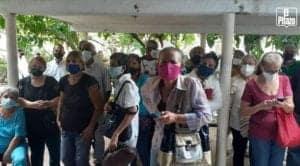 Adultos mayores quedaron a la espera de nuevos cargamentos de vacunas anti-COVID-19 en Trujillo este #7Jun porque las dosis se agotaron en el Hospital de Valera