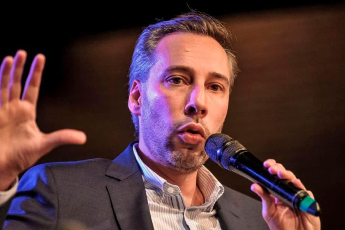 Emiten orden de aprehensión contra el periodista Roberto Deniz
